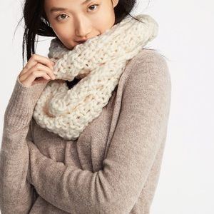 Cream Chunky Cable Knit Infinity Loop Scarf